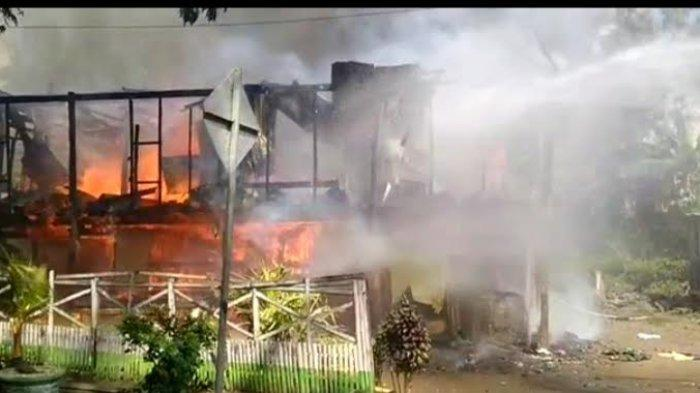 Pergi Melayat ke Rumah Kerabat, Rumah Warga Bila Dilalap Api