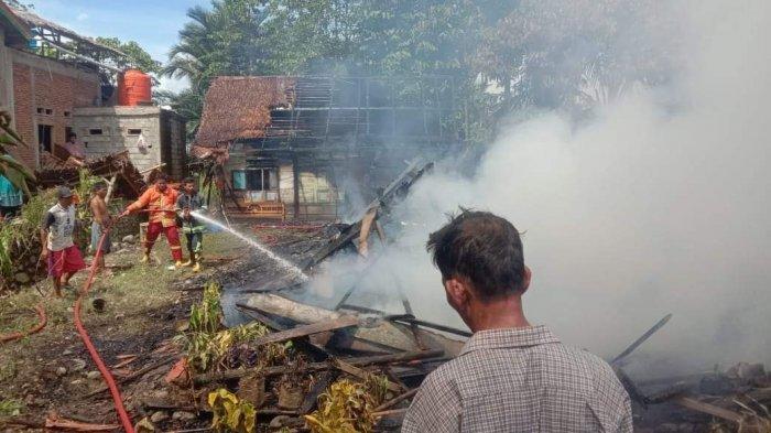 Kebakaran di Lamasi Luwu Hanguskan Tiga Rumah