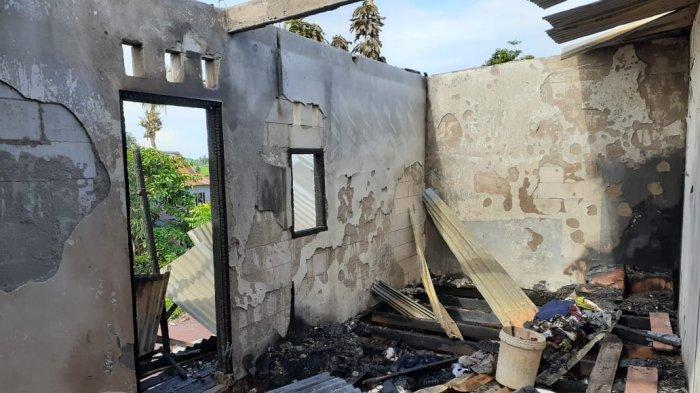 Diduga Korsleting Listrik, Rumah Warga di Lau Maros Terbakar