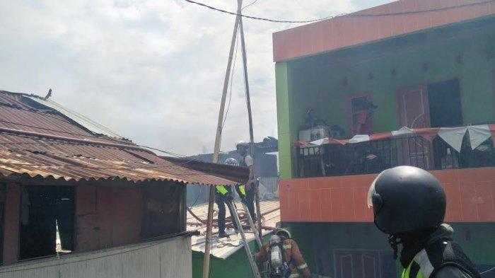 Ini Kendala Damkar Makassar Saat Padamkan Api di Jl Maccini Sawah