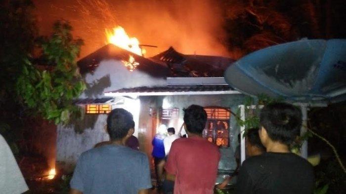 Rumah Pengusaha Gula Aren di Wajo Hangus Terbakar, Satu Korban Alami Luka Bakar di Lengan & Punggung