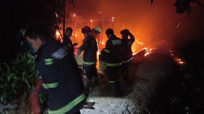 Bangunan Walet di Sabbamparu Palopo Terbakar