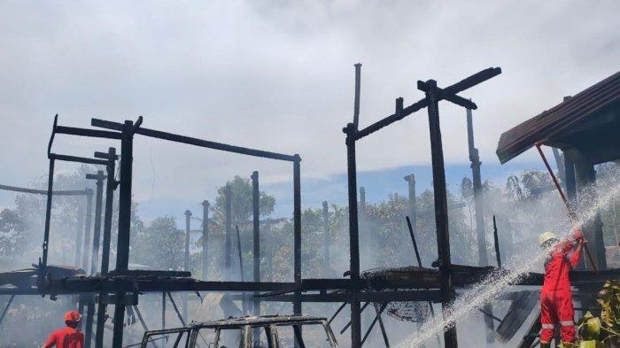 Kebakaran di Mattombong Pinrang, Sekolah PAUD dan 1 Mobil Hangus Terbakar