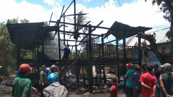 Satu Rumah Panggung Hangus Dilalap Api di Bulujaya Jeneponto