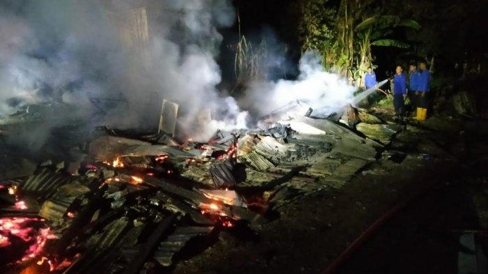 Kebakaran di Donri-donri Soppeng Subuh Tadi, Dua Rumah Rata dengan Tanah