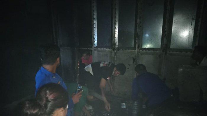 Penghuni Tidur Pulas Saat Api Membakar Toko Barang Campuran di Kalukuang Jeneponto