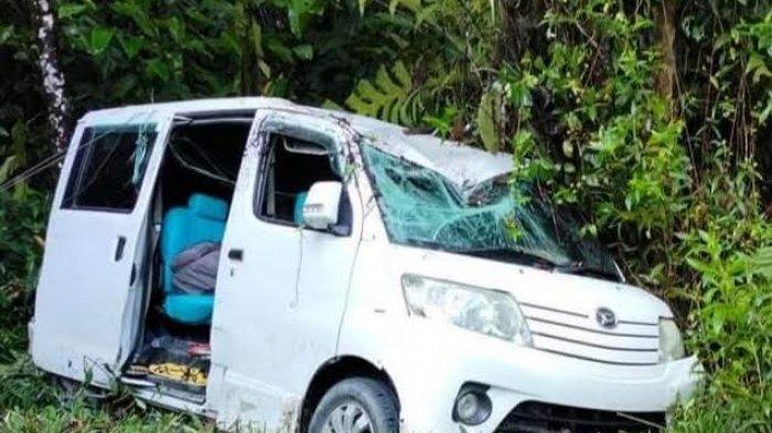 Luxio Berpenumpang 11 Orang Kecelakaan di Kasintuwu Luwu Timur