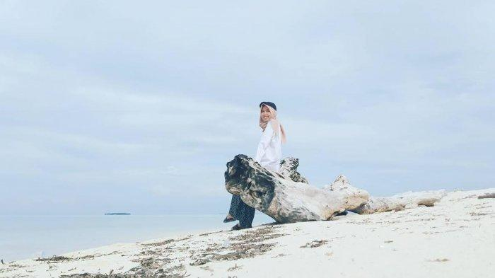 Pulau Pammanggang Pangkep, Pulau Pasir Putih dengan Tarian Lumba-lumba