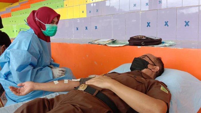 Hari Bhakti Adhyaksa, Kejari Enrekang Kumpul 100 Kantong Darah