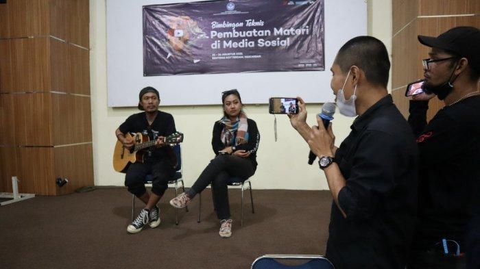 25 Penyanyi Jalanan di Makassar Belajar Bikin Konten di Medsos