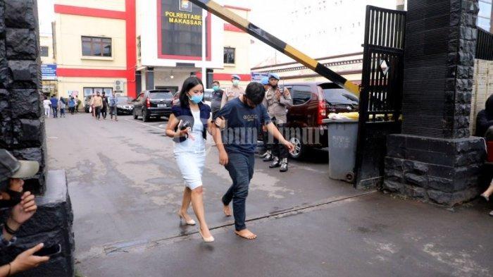 FOTO: Menjemput Pengunjuk Rasa di Polrestabes Makassar - keluarga-dan3rv.jpg