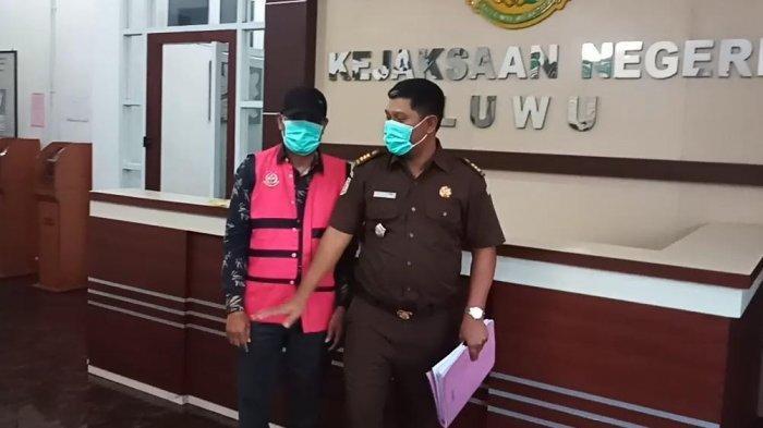 Korupsi Uang PBB Rp 300 Juta, Kejari Luwu Tahan Kepala Desa Tirowali