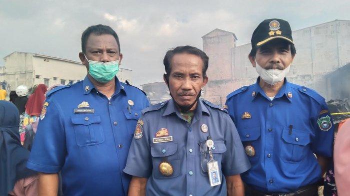 80 Petugas Damkar Dikerahkan Padamkan Api di Pasar Sentral Pangkep