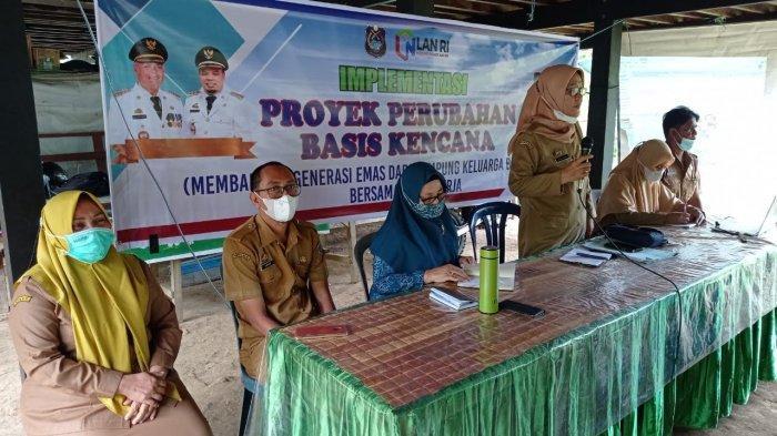Kepala Disdalduk-KB Enrekang Implementasikan Proyek Perubahan Basis Kencana di Desa Tapong
