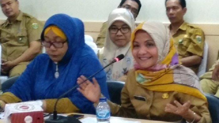 Viral Dugaan Korupsi Masker, Kadis Kesehatan Lari Saat Ditanya Wartawan Meski Disapa 'Bu Cantik'