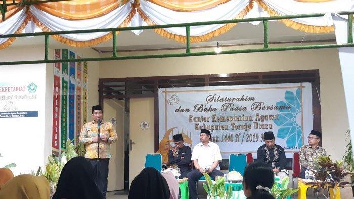Perlihatkan Sikap Toleransi, Pemuda Gereja Toraja Kawal Pelaksanaan Salat Id di Masjid Raya Rantepao