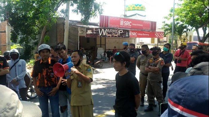 Aksi Tolak Omnibus Law, Kepala Kesbangpol Bantaeng Temui Demonstran