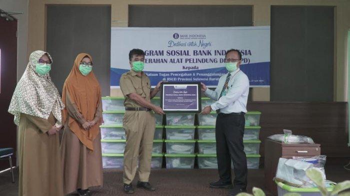 BI Sulbar Salurkan Bantuan 25 Paket APD Lengkap untuk Tenaga Medis