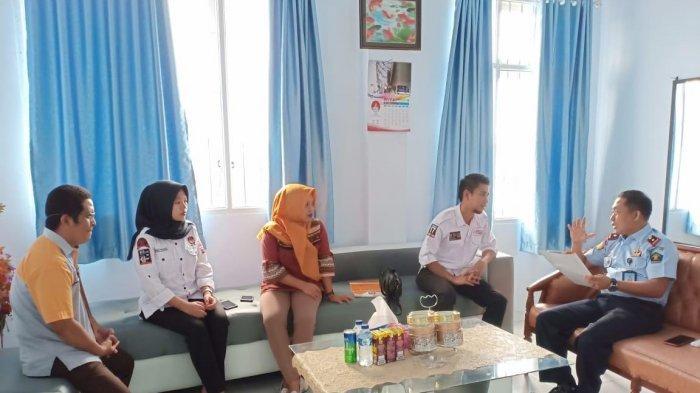 Divisi Perencanaan dan Data Komisi Pemilihan Umum (KPU) Sinjai Sulawesi Selatan dan koordinasi dengan Kepala Lapas Sinjai Ince Muh Rizal, Rabu (19/12/2018).
