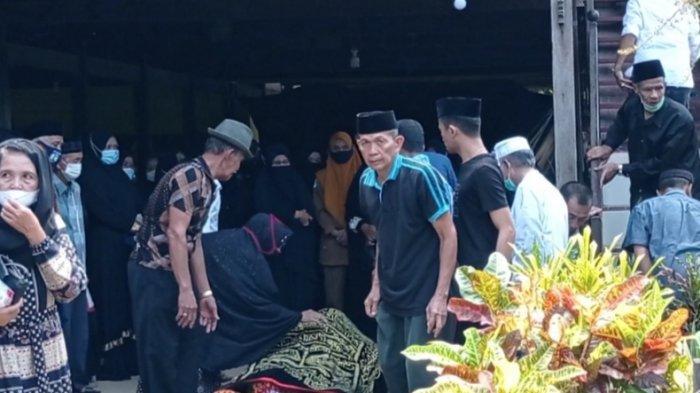 Terduga Pelaku Narkoba yang Ditembak Mati BNN di Bone Dimakamkan di Sidrap