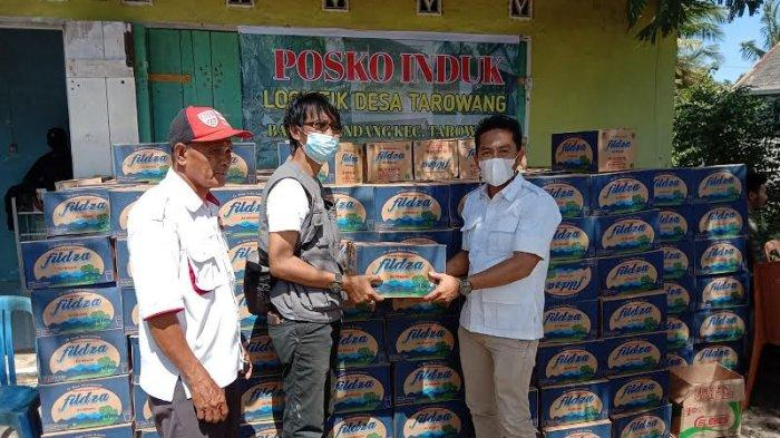 DPC Gerindra Jeneponto Salurkan Bantuan 500 Dos Air Mineral ke Korban Banjir Tarowang