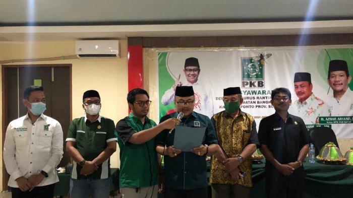 Ketua DPC PKB Jeneponto Lantik DPRt se-Kecamatan Bangkala