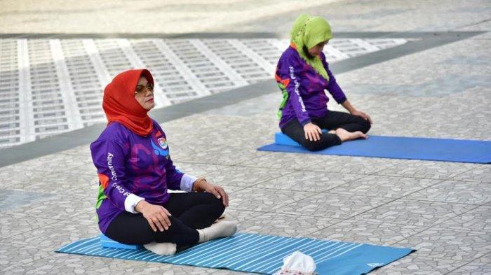 Rekomendasikan Yoga Olahraga Pilihan di Tengah Pandemi, Lies F Nurdin: Sehat Mental Penting