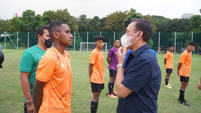 Pantau Seleksi Timnas U-16 di Senayan Jakarta, Ketua PSSI Iwan Bule: Tidak Ada Pemain Titipan!