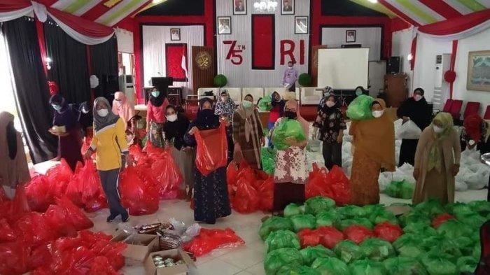Setelah Bupati Enrekang, Giliran Hj Johra MB Antar Bantuan 7 Truk Logistik ke Sulbar