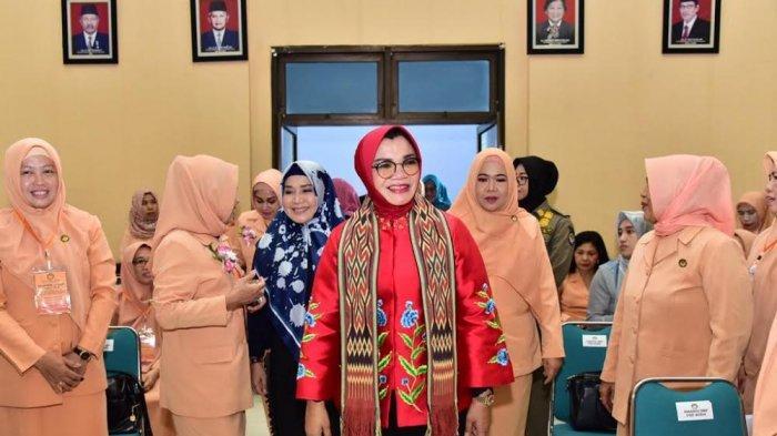 Dharma Wanita Sulsel Gelar Seminar Pengembangan Diri Bersama Irwani Pane