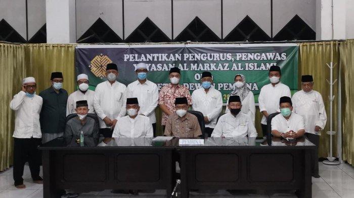 Dilantik Jusuf Kalla, Prof Basri Hasanuddin Ketua Yayasan Masjid Al Markaz Al Islami Makassar