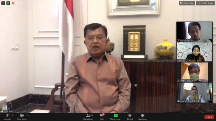 Ketua Umum Ikatan Alumni Universitas Hasanuddin (Ika Unhas) Dr (HC) Drs H Muhammad Jusuf Kalla melantik Pengurus Ika Unhas di tiga provinsi dalam jaringan (daring), Sabtu (17/10/2020).