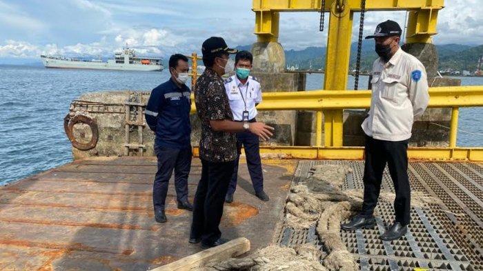 Khoiri Soetomo Tinjau Kondisi Pelabuhan Ferry Mamuju, MintaSegera Dibenahi