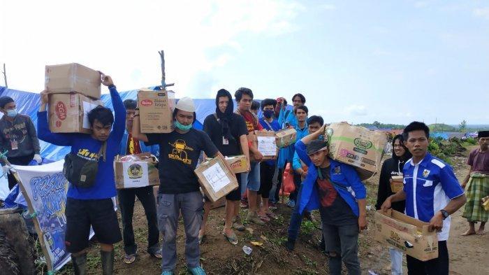 KNPI Luwu dan Luwu Timur Bagikan Bantuan di Posko Meli Luwu Utara