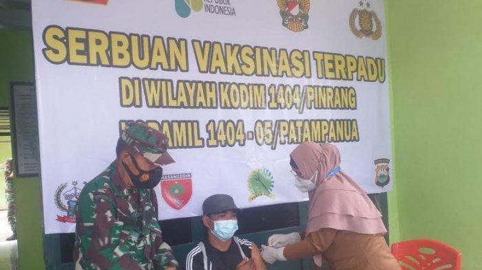 Warga Serbu Vaksinasi Covid-19 Kodim 1404 Pinrang