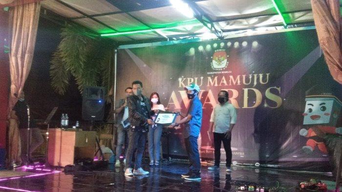 KPU Mamuju Award 2021, Tribun Timur Media Online Mitra Terbaik