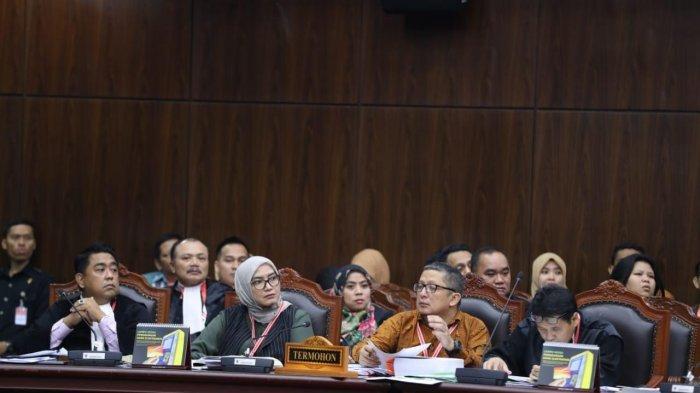Gugatan PHPU 7 Partai Politik dari Sulbar Ditolak MK