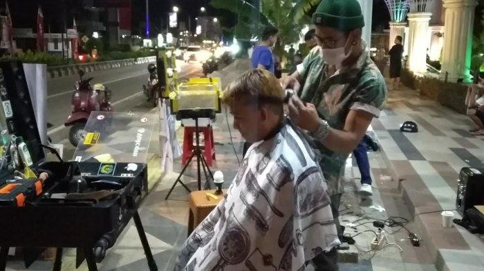 Komunitas Hair Style Palopo Galang Dana untuk Korban Bencana Lewat Potong Rambut