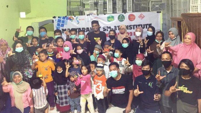 Proyeksi Kerja 2021, Masyarakat SM3T Institute Berbagi Sembako dengan Anak Panti Asuhan Mahdiyat