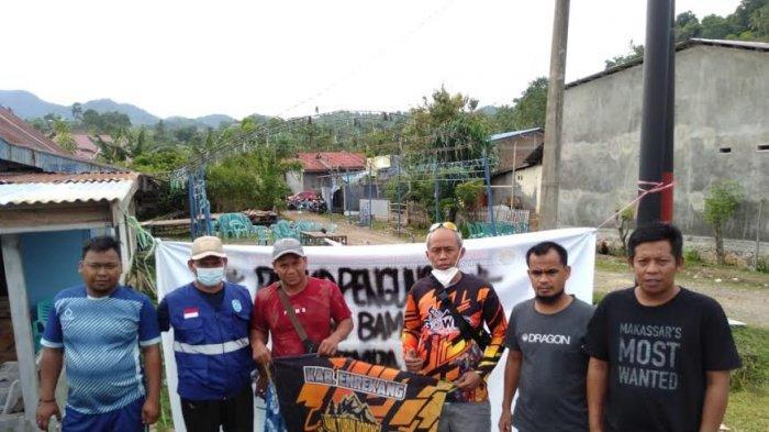 Komunitas Sepeda Hore-hore Enrekang Salurkan Bantuan ke Korban Gempa Sulbar
