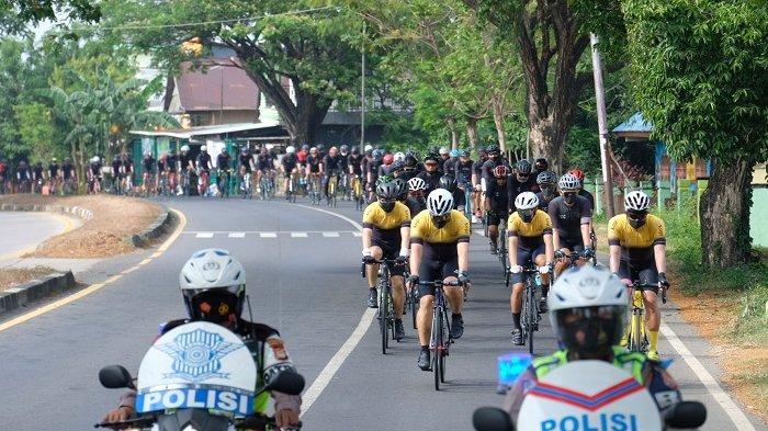 FOTO: MCC Mini Touring Makassar-Pinrang - komunitas-sepeda-makassar-cycling-club-mcc-melintas-di-pangkep-minggu-2792020.jpg