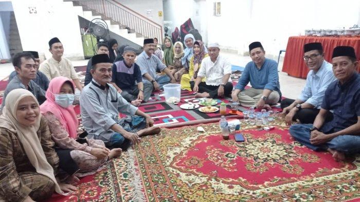 Buka Puasa Bareng Warga,Komunitas Jenariyah Makassar Doakan Kru Nanggala dan Wabah Covid-19 Berakhir