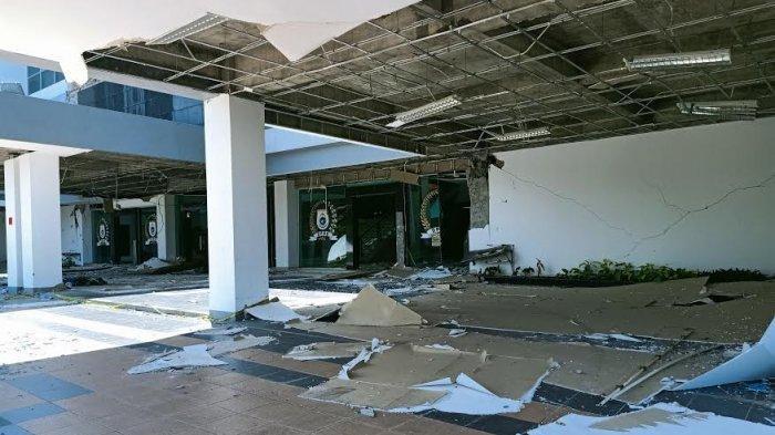 Kantor Rusak Berat, Anggota DPRD Sulbar Berkantor di Tenda Darurat