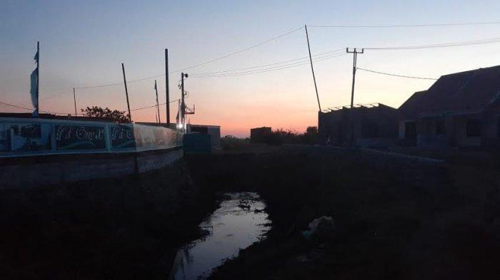 Waspada Banjir Akhir Tahun, Warga Kelurahan Manggala Mulai Kemasi Barang