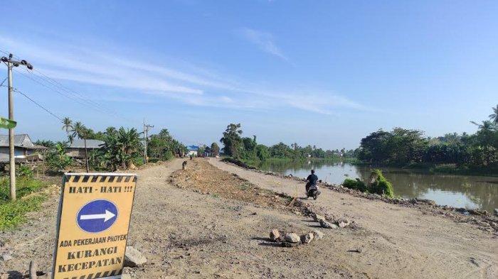 Jalan Poros Bone-Wajo yang Amblas Mulai Diperbaiki, Warga; Semoga Pengerjaannya Tidak Asal-asalan