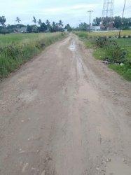 Jalan Poros Labotto-Cenrana Diperbaiki Februari, Warga: Baru Diaspal Sejak Indonesia Merdeka