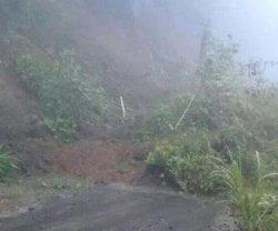 Sudah Dua Hari Jalan Salebba-Mappesangka Bone Tertutup Longsor, BPBD Hanya Datang Tinjau Lokasi