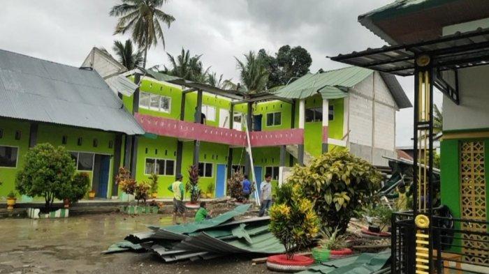 Angin Kencang, Atap Madrasah Nurul Akbar Bone Terbang