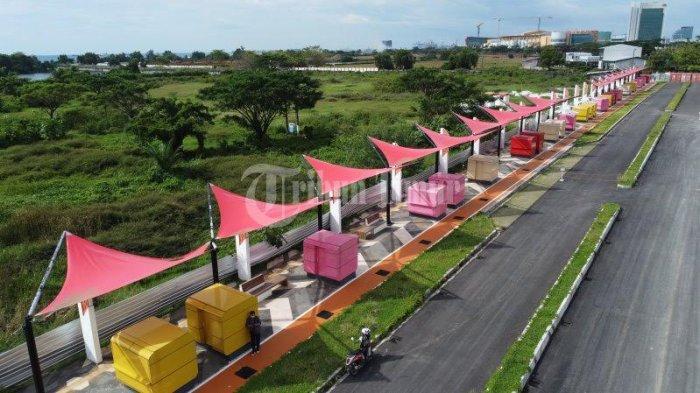Foto Drone; Ikon Baru Amphitheater di Kawasan Tanjung Bunga - kondisi-pedestrian-kawasan-jl-metro-tanjung-bunga-terekam-menggunakan-kamera-drone-1.jpg