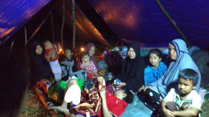 Pakai Peralatan Seadanya, Ratusan Korban Longsor di Desa Sangtandung Luwu Mengungsi